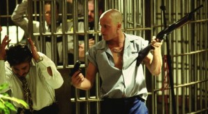 Assassini nati - Natural Born Killers di Oliver Stone. Con Woody Harrelson, Juliette Lewis, Tom Sizemore, Robert Downey Jr., Tommy Lee Jones streaming 53 curiosità, errori e bloopers