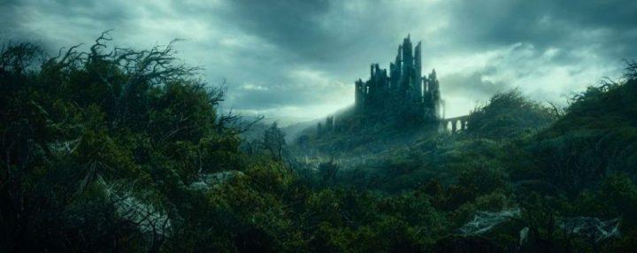 Lo Hobbit - Un viaggio inaspettato, scheda film, recensione, Martin Freeman, Ian McKellen, Richard Armitage, Ken Stott, Graham McTavish, Aidan Turner, Cate Blanchett, Hugo Weaving, Christopher Lee, curiosità, Dol Guldur
