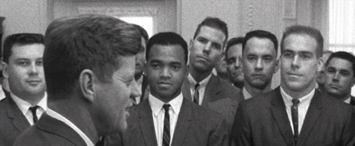 Forrest Gump citazioni e dialoghi, Robert Zemeckis, Tom Hanks, Robin Wright, Gary Sinise, Kennedy