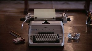 Shining frasi citazioni e dialoghi streaming di Stanley Kubrick con Jack Nicholson, Shelley Duvall, Danny Lloyd, Scatman Crothers, Barry Nelson, Philip Stone, Joe Turkel typewriter