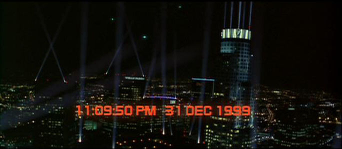 Capodanno nei film Strange Days streaming di Kathryn Bigelow con Juliette Lewis, Ralph Fiennes, Angela Bassett, Tom Sizemore