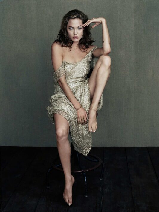 Angelina Jolie addio al cinema dopo Cleopatra