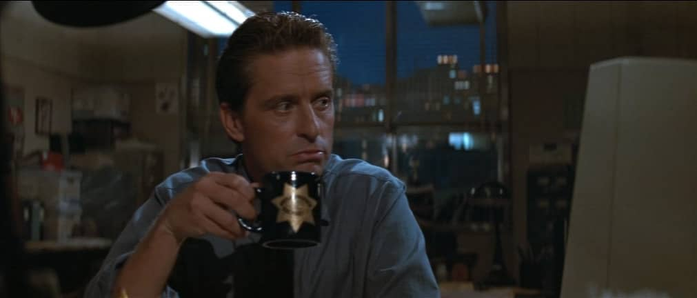 Michael Douglas e il sesso - Basic Instinct, 1992, Paul Verhoeven, Michael Douglas, caffè