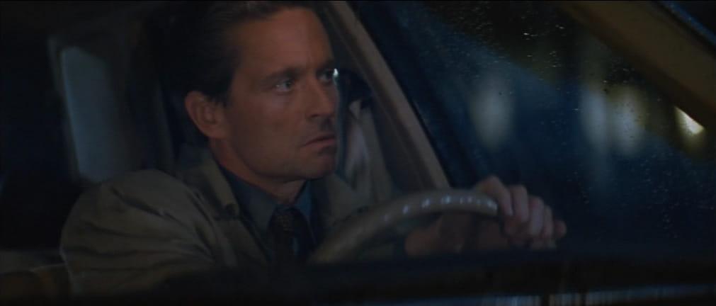 Basic Instinct, 1992, Paul Verhoeven, Michael Douglas, macchina, pioggia