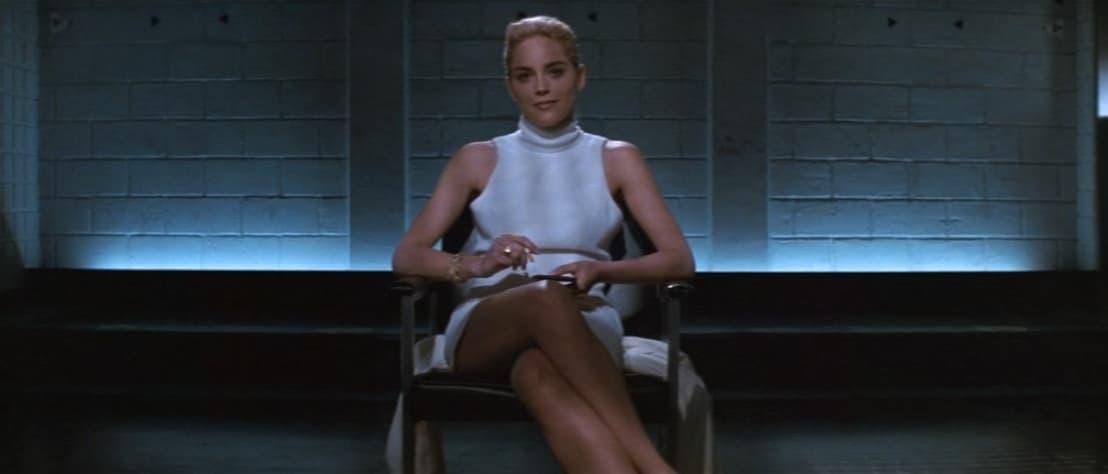 Basic Instinct frasi, 1992, Paul Verhoeven, Sharon Stone, Catherine Tramell, interrogatorio, gambe, sexy