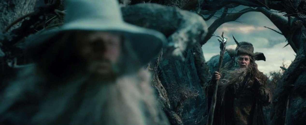I luoghi della Terra di Mezzo Lo Hobbit - La desolazione di Smaug di Peter Jackson con Ian McKellen, Martin Freeman, Richard Armitage, Ken Stott, Evangeline Lilly, Cate Blanchett streaming Gandalf