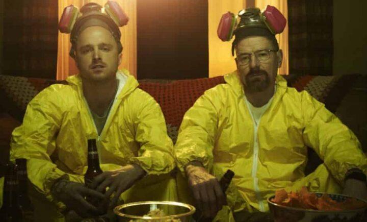 Breaking Bad, Bryan Cranston, Walter White, Aaron Paul, Jesse Pinkman, tuta anti radiazioni, birra, patatine - Approfondimento sulle serie tv