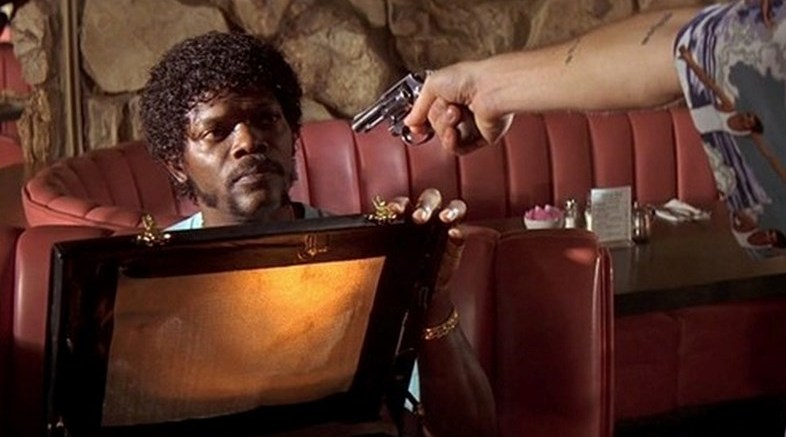 Cosa contiene la valigetta nera di Pulp Fiction 3 What's in the Briefcase? Cosa contiene la valigetta nera di Pulp Fiction?