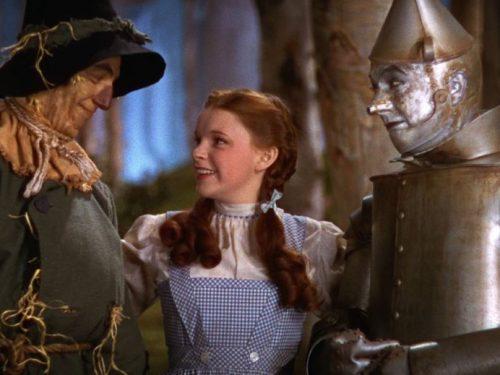 Salve le scarpe rosse del Mago di Oz indossate da Judy Garland