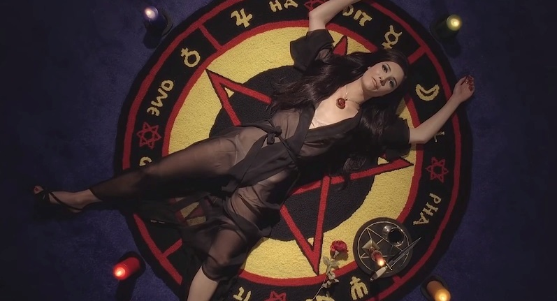 the-love-witch-2016-anna-biller-elle-evans-samanThe Love Witch (2016) Anna Biller Elle Evans, Samantha Robinson, Lily Holleman magic