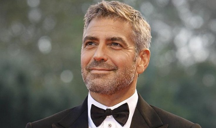 george clooney aveva la paralisi di bell da adolescente. Black Bedroom Furniture Sets. Home Design Ideas