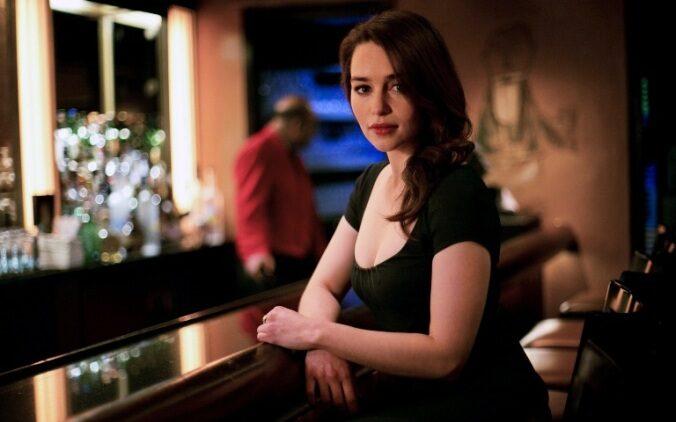 Le sopracciglia di Emilia Clarke, molto espressive