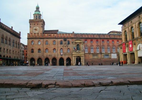 Cinema in piazza Maggiore