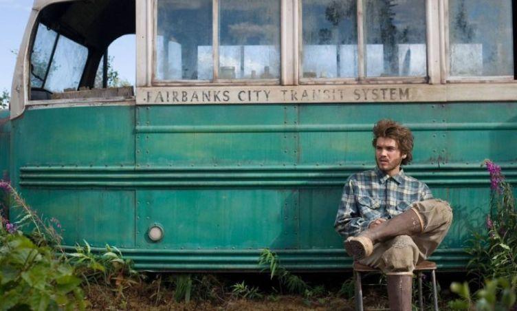Rimosso il bus di Into the Wild in Alaska, perché troppe persone andavano a cercarlo