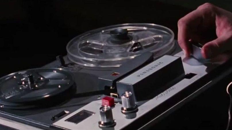 La casa (1981) di Sam Raimi conBruce Campbell,Betsy Baker, Hal Del Rich, Ellen Sandweiss e Sarah York recensione registratore