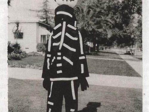 Tim Burton nel 1967 con il costume di Halloween