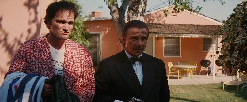 Pulp Fiction frasi, citazioni e dialoghi di Quentin Tarantino con Harvey Keitel, asciugamano