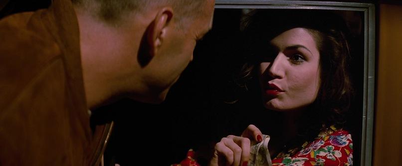 Pulp Fiction frasi, citazioni e dialoghi di Quentin Tarantino, Bruce Willis, Butch Coolidge con Esmeralda Villalobos