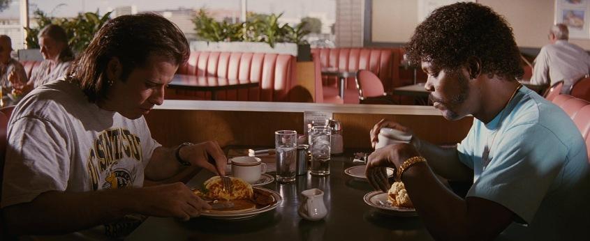 Pulp Fiction citazioni e dialoghi della pellicola di Quentin Tarantino, John Travolta, Vincent Vega e Samuel L. Jackson, Jules Winnfield, colazione