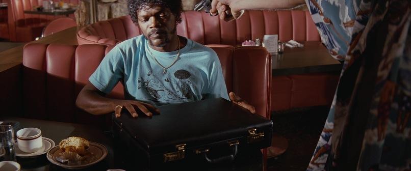 Pulp Fiction frasi, citazioni e dialoghi di Quentin Tarantino, Samuel L. Jackson, Jules Winnfield, valigetta nera