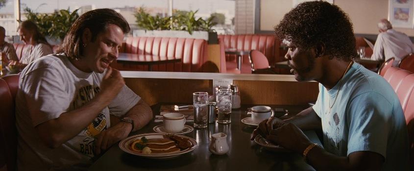 Pulp fiction recensione di Quentin Tarantino con John Travolta, Samuel L. Jackson, Uma Thurman, Harvey Keitel, Tim Roth, Bruce Willis