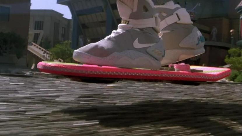 Ritorno al futuro - Parte II, frasi, citazioni e dialoghi della pellicola di Robert Zemeckis scarpe Nike