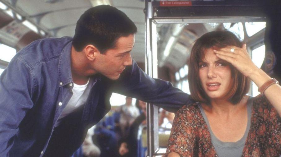 Speed frasi, citazioni e dialoghi di Jan de Bont con Keanu Reeves, Dennis Hopper e Sandra Bullock guida bus a velocità folle