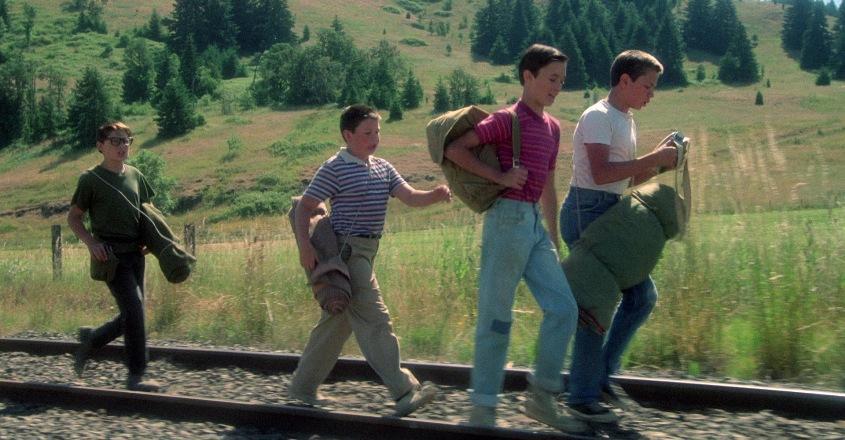 Stand by Me - Ricordo di un'estate frasi, citazioni e dialoghi, di Rob Reiner, con Wil Wheaton, River Phoenix, Corey Feldman, Jerry O'Connell, binari