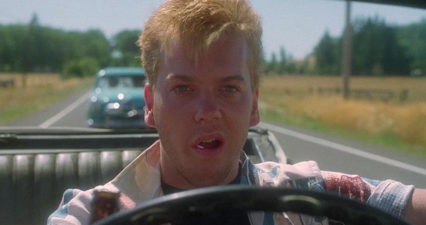 Stand by Me - Ricordo di un'estate citazioni e dialoghi, di Rob Reiner, con Kiefer Sutherland, macchina decapottabile, volante