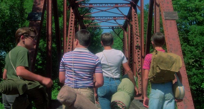 Stand by Me - Ricordo di un'estate citazioni e dialoghi, di Rob Reiner, con Wil Wheaton, River Phoenix, Corey Feldman, Jerry O'Connell, ponte ferrovia