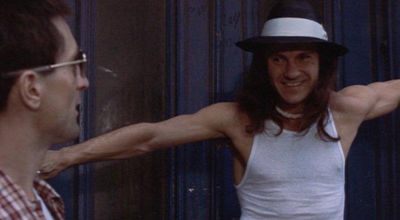 Taxi Driver frasi, citazioni e dialoghi della pellicola di Martin Scorsese con Robert De Niro, Cybill Shepherd, Peter Boyle, Jodie Foster, Harvey Keitel, trattativa