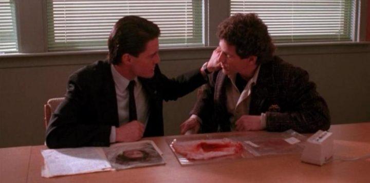 Twin Peaks, la serie tv, David Lynch, Mark Frost, recensione, Kyle MacLachlan, Michael Ontkean, curiosità