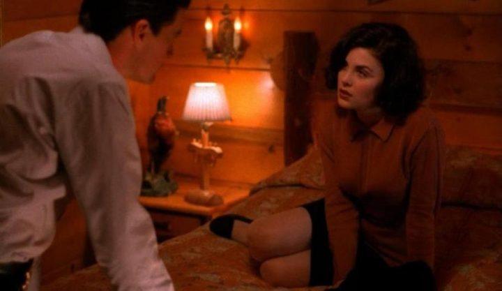 Twin Peaks, la serie tv, David Lynch, Mark Frost, recensione, Sherilyn Fenn, Kyle MacLachlan
