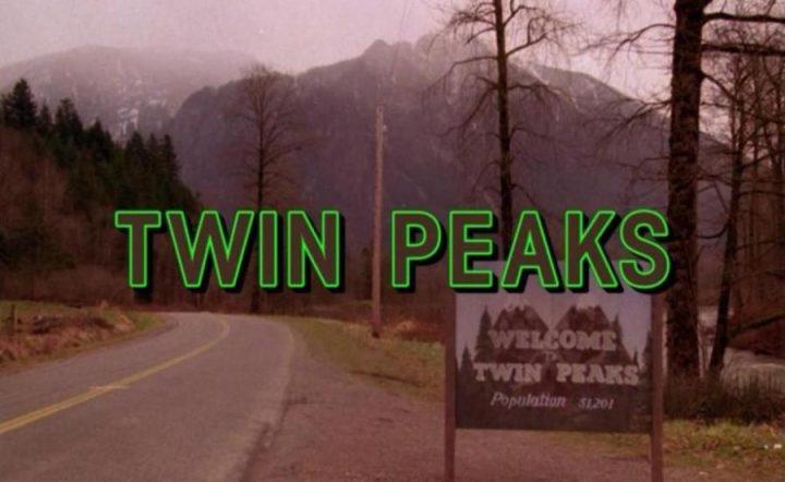 Twin Peaks, la serie tv, David Lynch, Mark Frost, recensione, titoli, main title
