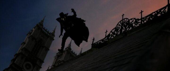 V per Vendetta, scheda film, recensione, fratelli Wachowski, James McTeigue, Natalie Portman, Hugo Weaving, Stephen Rea, John Hurt