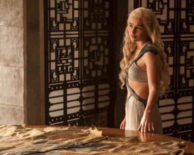 Scene di nudo di Emilia Clarke in Game of Thrones