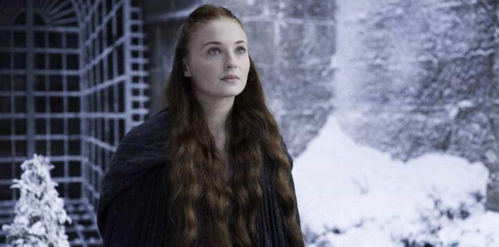 Regina Elisabetta si rifiutò di sedersi sul Trono di spade. Game of Thrones, Sansa Stark, Sophie Turner, neve