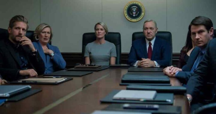House of Cards - Gli intrighi del potere, Kevin Spacey, Frank Underwood, Robin Wright, Claire Underwood, riunione