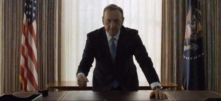 House of Cards - Gli intrighi del potere, Kevin Spacey, Frank Underwood, scrivania, presidente, bandiera americana