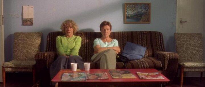 Calendar Girls, 2003, Nigel Cole, Helen Mirren, Julie Walters, divano