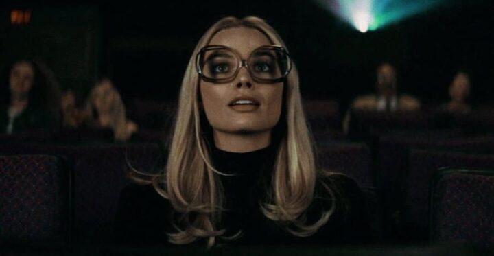 Margot Robbie a piedi nudi come Sharon Tate - C'era una volta a... Hollywood, Margot Robbie, Sharon Tate, scena cinema