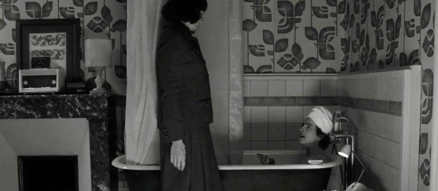 Scena in bagno con Timothee Chalamet e Frances McDormand, 2021, Timothée Chalamet, vasca da bagno